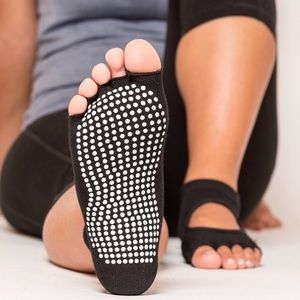 Accessories - Tier One Fit toeless grip sock; bundle of 4 pairs